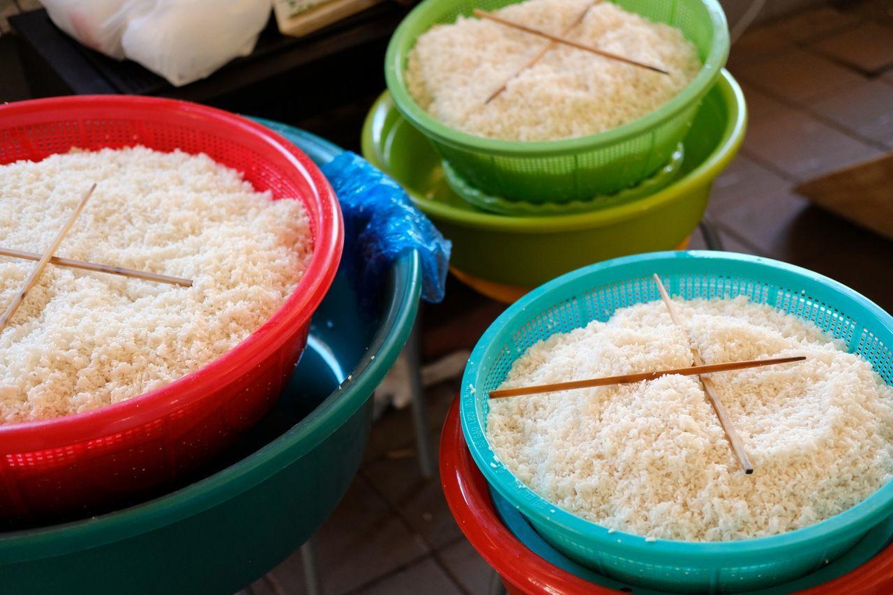 Making Vietnamese sticky rice cakes for Tet. Food No People Rice Sticky Rie Sweet Pie Vietnamese Food Vietnamese Rice White Rice