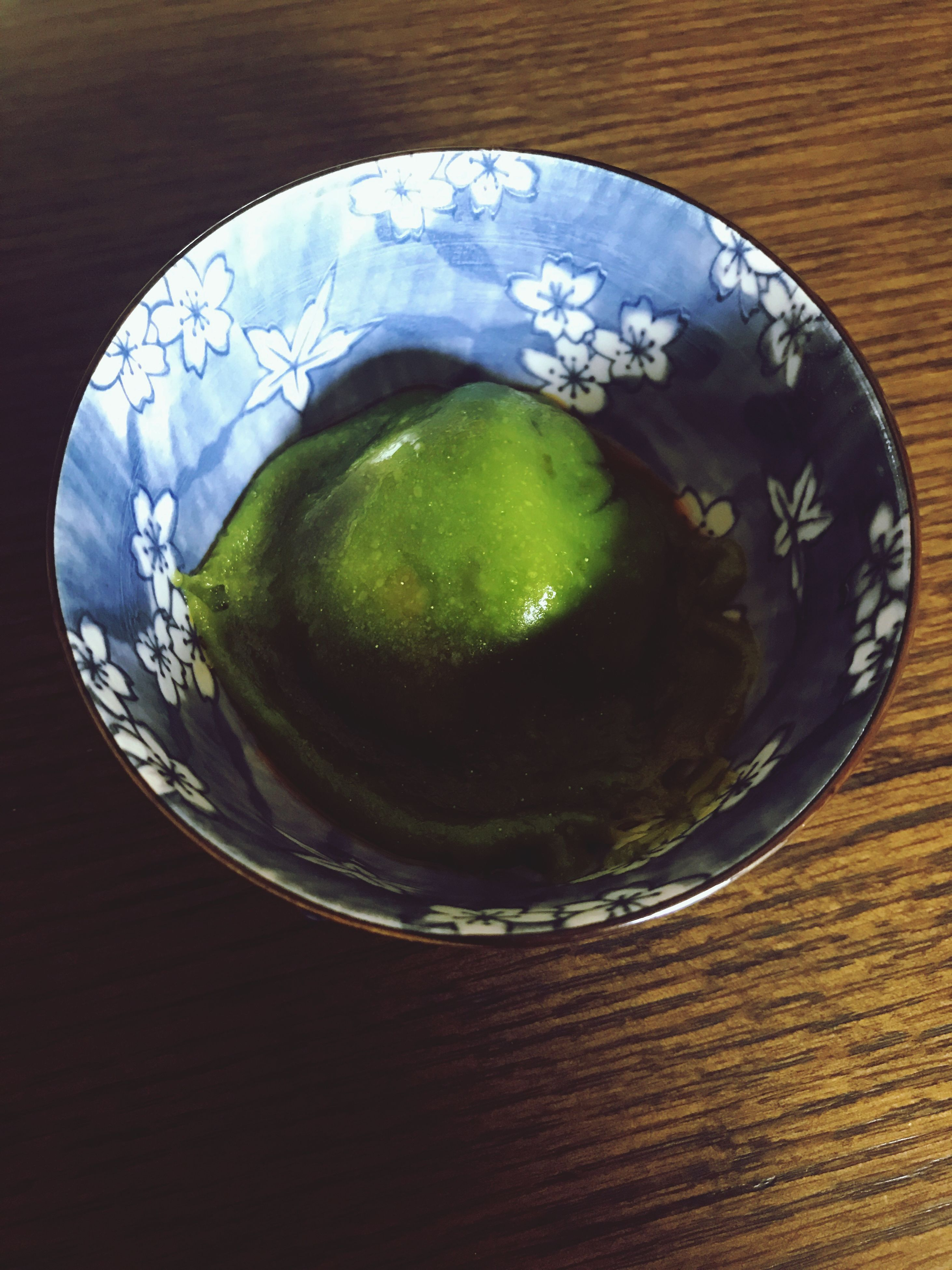 food and drink, freshness, table, high angle view, drink, directly above, refreshment, no people, indoors, close-up, healthy eating, food, green color, drinking glass, plate, ready-to-eat, temptation, water, day