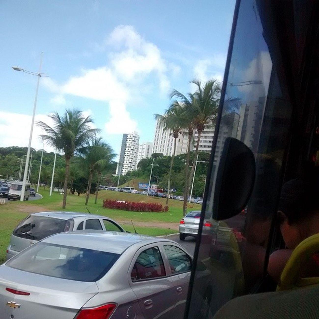Continuando a legenda da foto anterior... E que caminho longo em Salvador haha, bora swinga que é isso mesmo !! Transitointenso Ssa