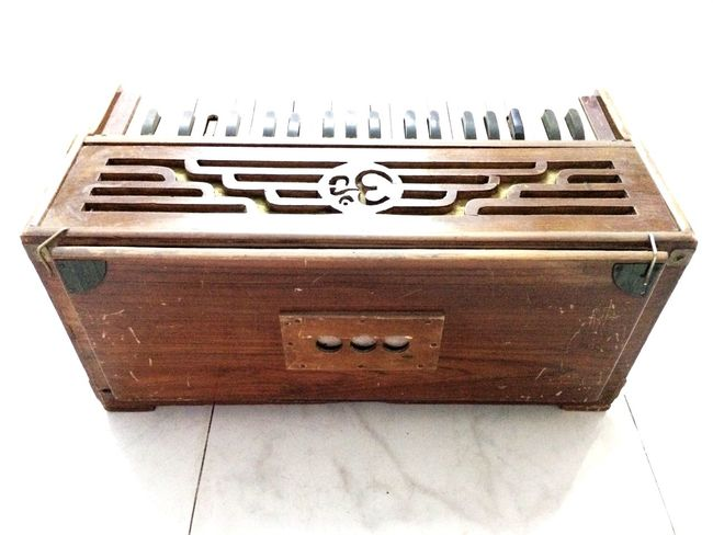 A Harmonium is Evergreen When It Comes to Making Music Single Object Still Life White Background Man Made Object No People Musical Instrument Instruments Harmonica Music Brings Us Together Ravi Ahlawat Pics