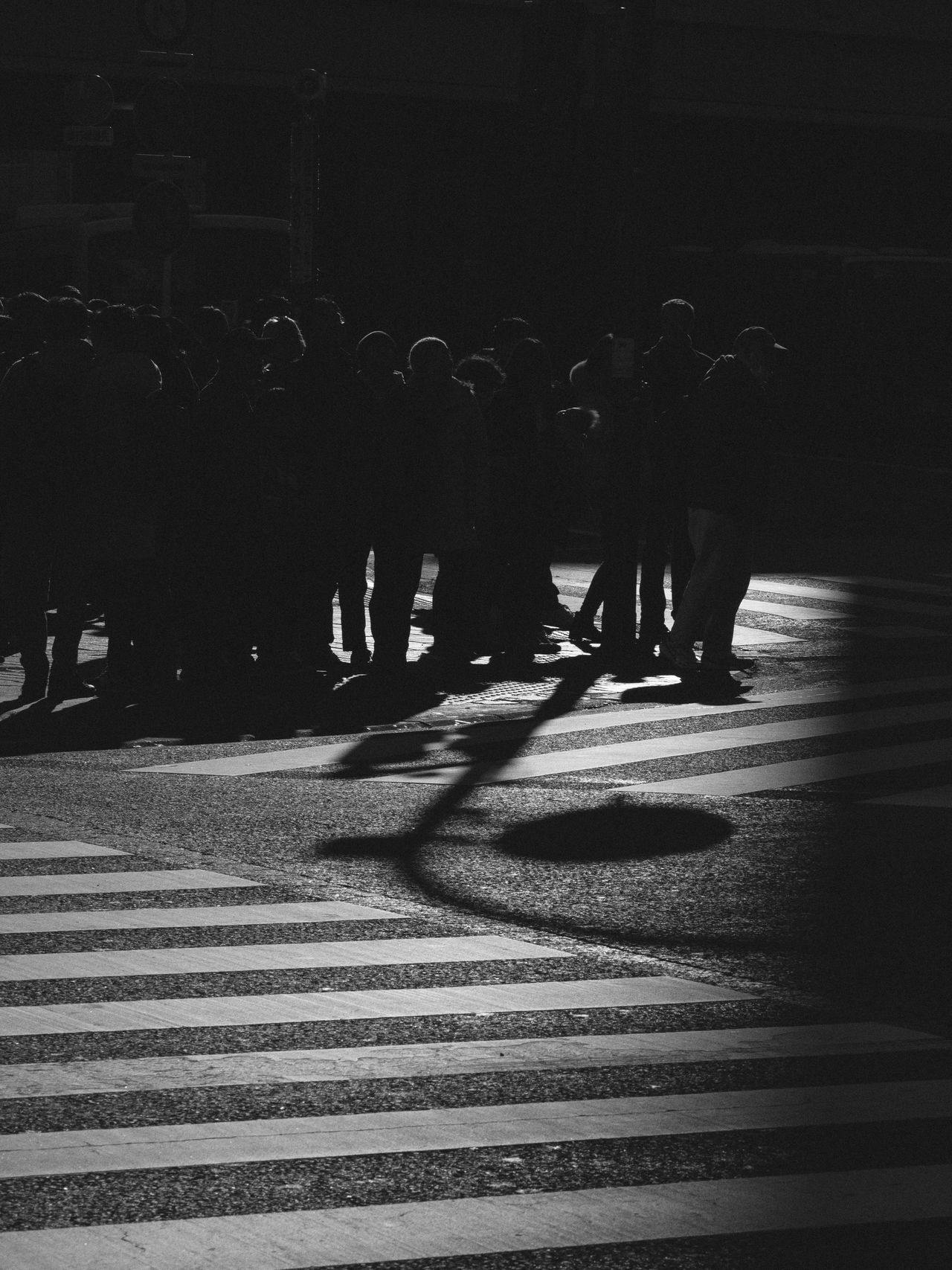 Reflection White And Black Monochrome Streetphotography Crossroads Waiting EEyeEm Best ShotsJJapanTTokyo Stop And Go City Life Social Issues Standing Line Rules Traffic