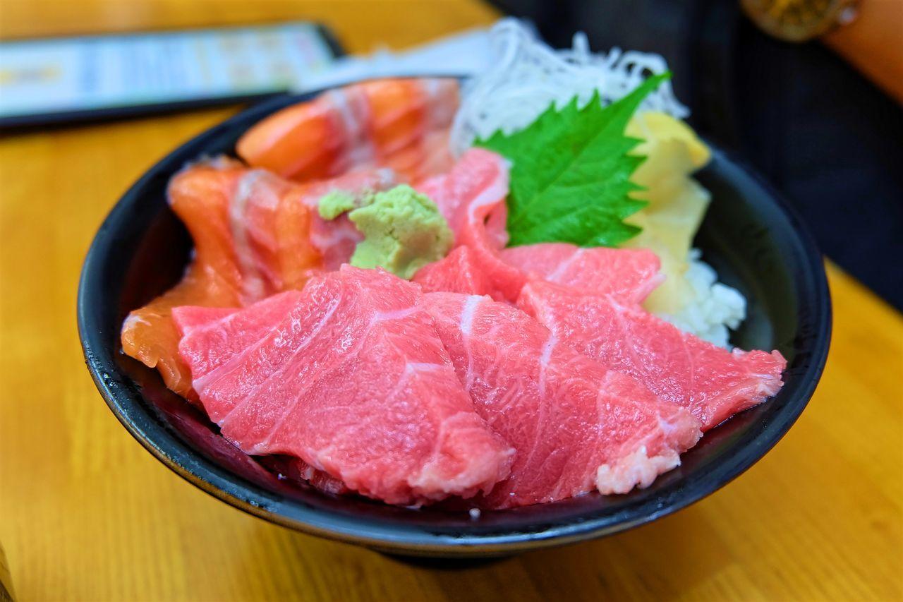 Fatty Tuna Food Food And Sweets Japanese Food Japanese Sweets Salmon Sashimi  Sashimi Bowl Sushi Sushi Time Tuna Sushi Yummy