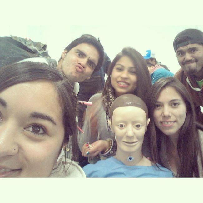 Selfie con el amigo tieso Instasize Primerosauxilios Conlavejestorio Santotomas PF2015