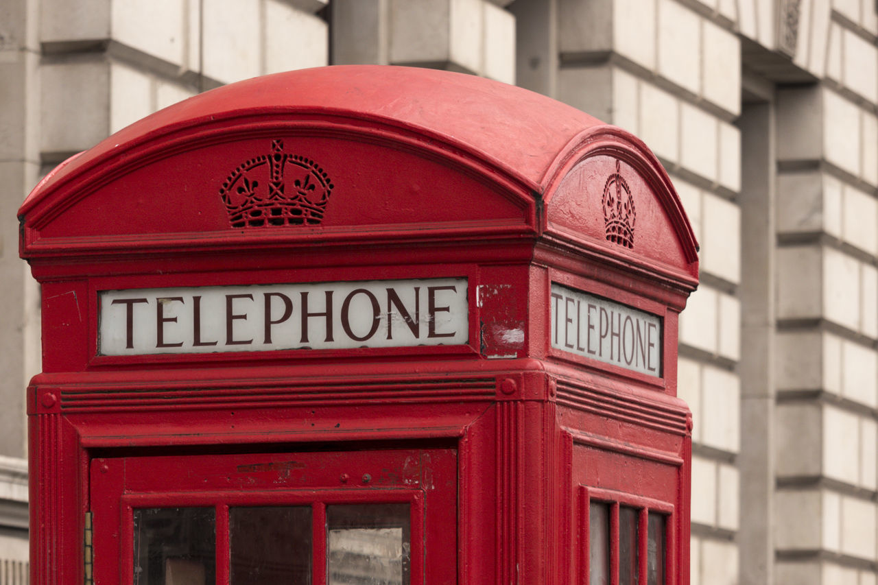 Hora de ligar para casa? // Is it time to call home? - February 2017// Great Britain Citybycity EyeEm Around The World London Red Phone Boxes Telephone