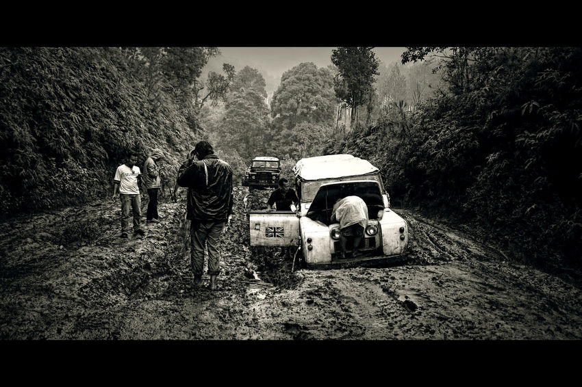 stuck in a moment Defender Defender90 Travel Photography Transportation Travel Destinations INDONESIA Exploreindonesia Travelphotography Explore Forest Jeep Scenic Blackandwhite Bandung, West Java Muddy Road The Great Outdoors - 2017 EyeEm Awards EyeEmNewHere The Great Outdoors - 2017 EyeEm Awards