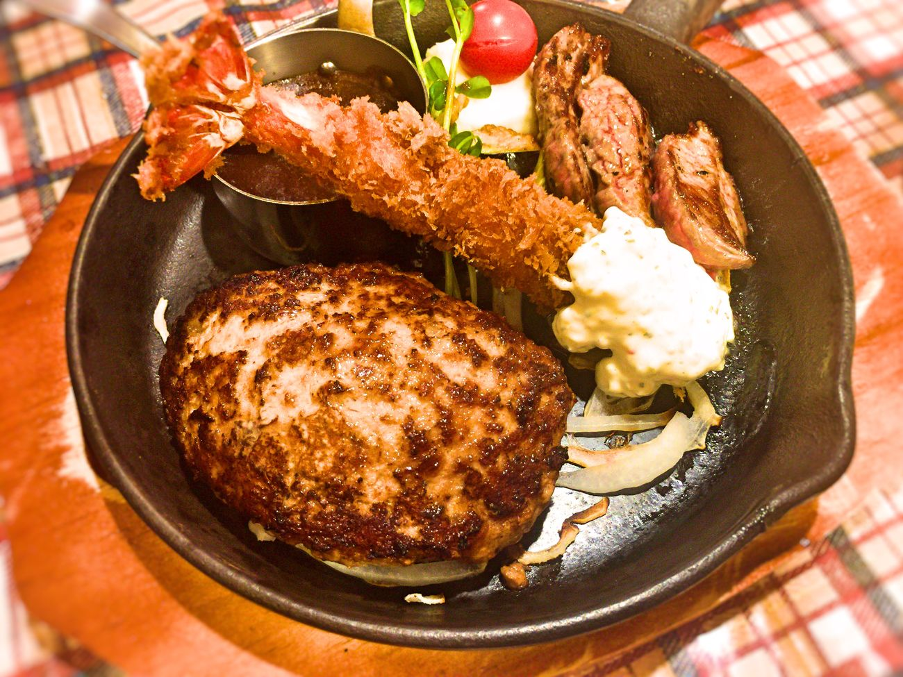 I went for shopping with parents and ate out today!It is a fried prawn, a steak and a ground beef steak together! Its time was very very happy and delicious! Dish Dishes Food Fried Prawns Fried Shrimp Hamburg Steak Meal Meat No People Ready-to-eat Serving Size Steak Steak Dinner