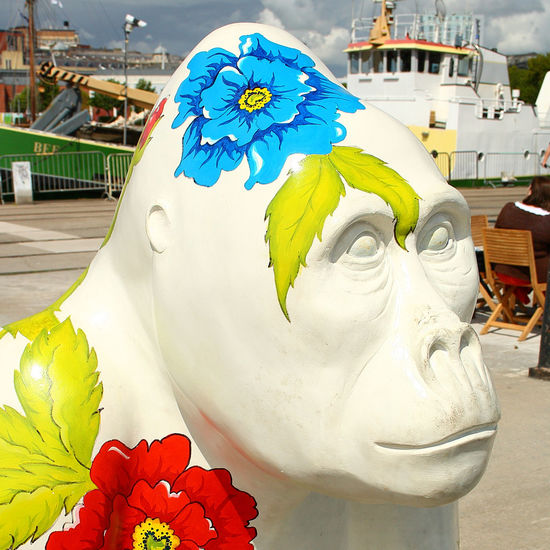 Hippy Gorilla Art Art And Craft Bristol Bristol England Bristol Grafiti Bristol Harbour Bristol In The Summer Bristol Zoo Close-up Creativity Flower Flower Head Flowers Focus On Foreground Gorilla Gorilla Portraits Gorilla Statue Gorillas Hippie Hippy Petal Sculpture Statue White White Color