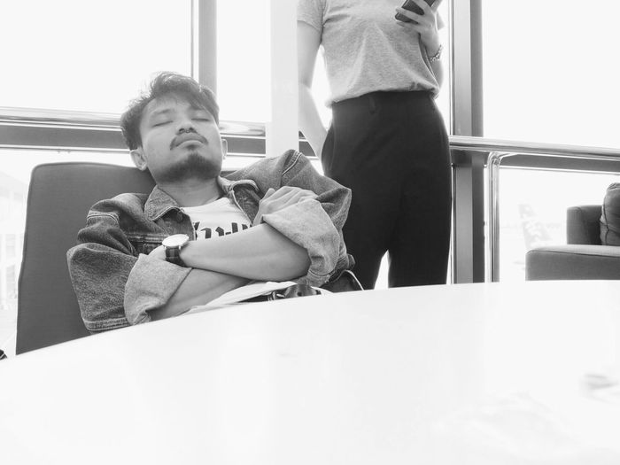 Airport Sleeping Boy Man Girl Woman Young Adult Couple Monochrome Funny Pics Funny Photo Grayscale Young Women LOL! Two People