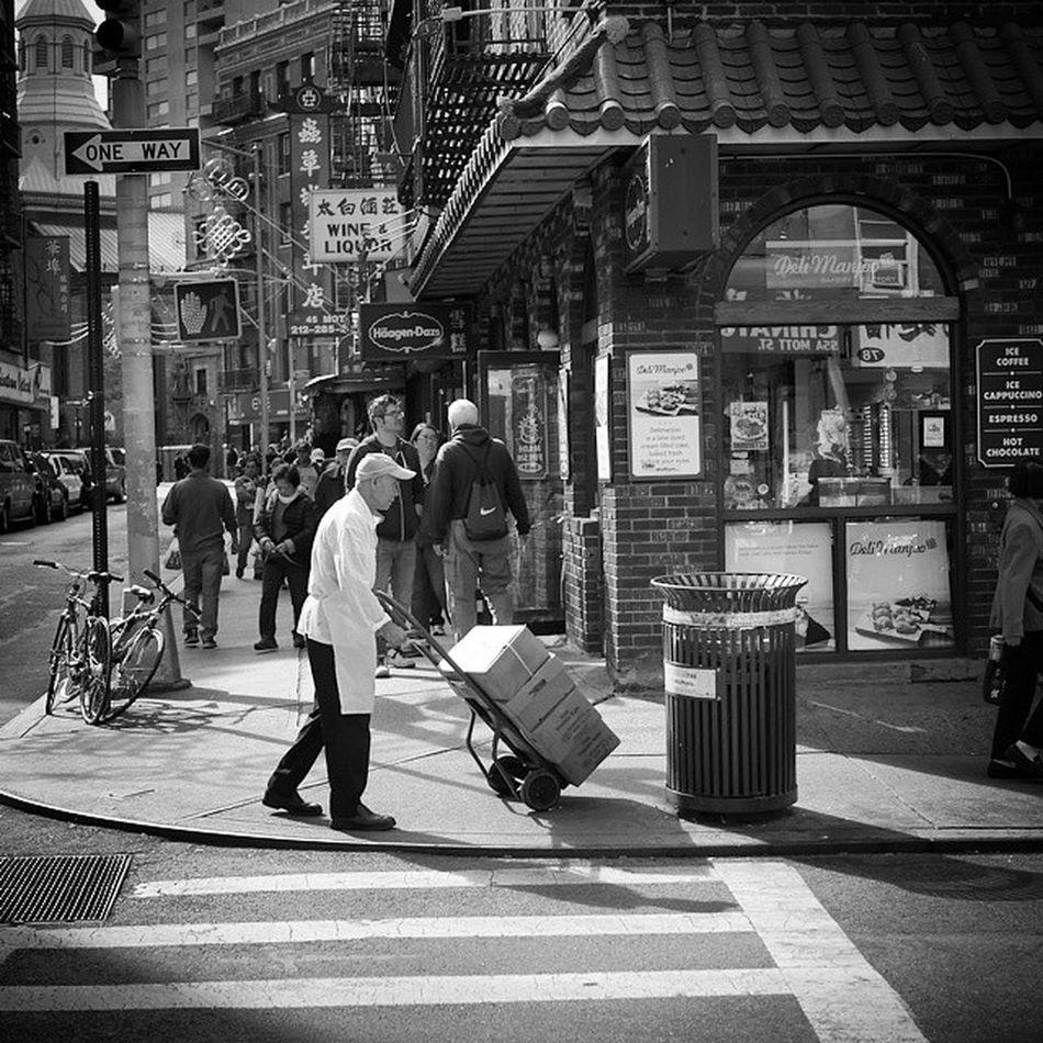 Newyork Chinatown Bw Workingman Travel ImagesofNYC Blackandwhite My Commute
