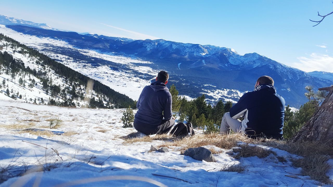 Snow Winter Warm Clothing Sunlight Cold Temperature Mountain Togetherness Landscape Nature Men Outdoors Adventure Hikingadventures Freedom Positive Hiking EyEmNewHere Awesome_shots Freshness View From Above Calmness Peace And Quiet