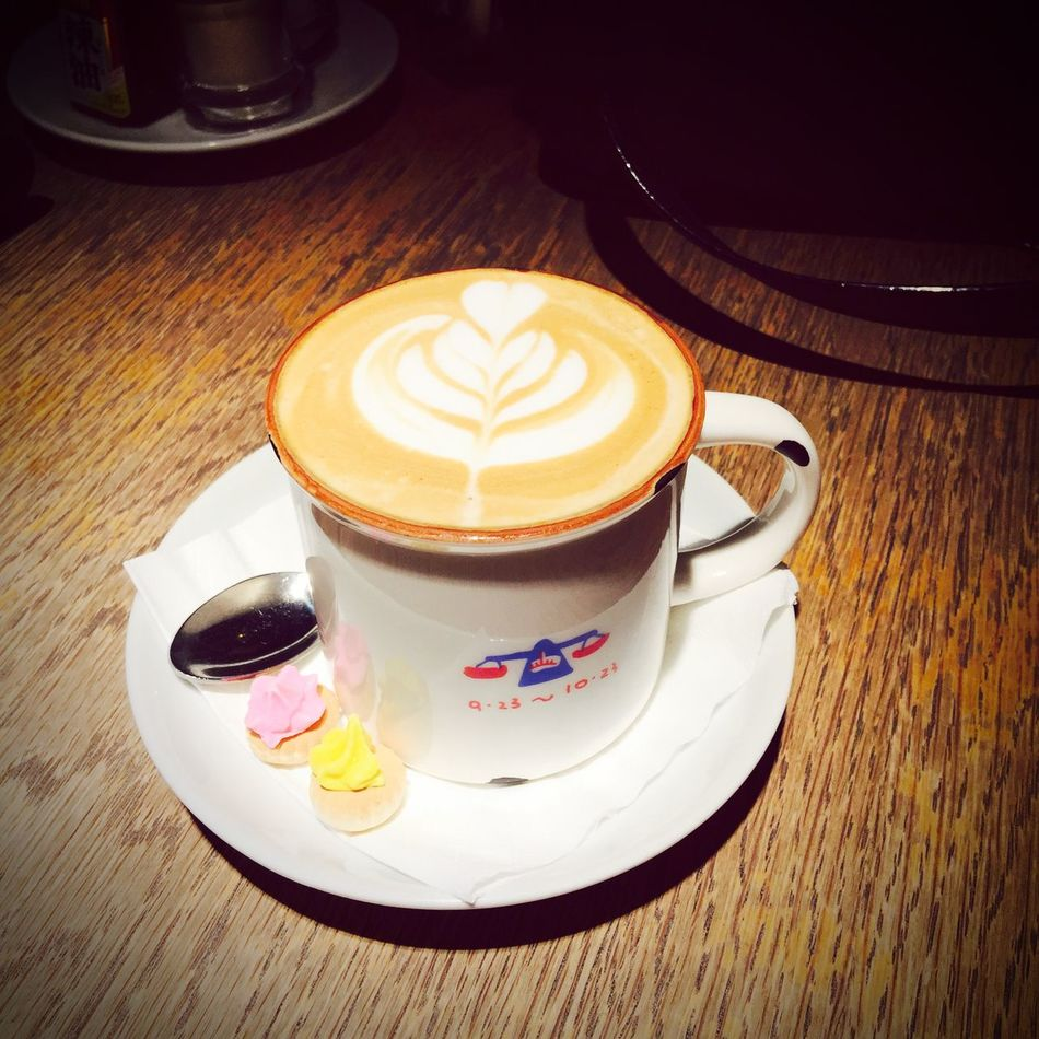 A cup of latte, thank you. ☺️ EyeEm Gallery EyeEm Malaysia Foodphotography Foodie Coffee Coffeefix Latteart Withlove ❤️