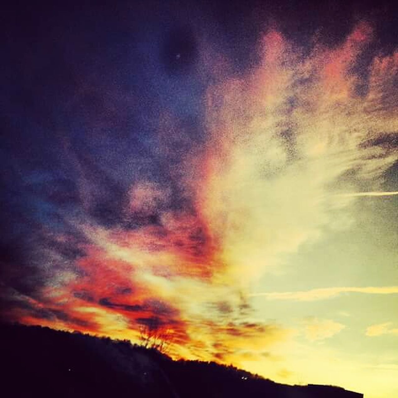 scenics, beauty in nature, nature, dramatic sky, sky, no people, tranquility, tranquil scene, multi colored, outdoors, sunset, cloud - sky, awe, mountain, day