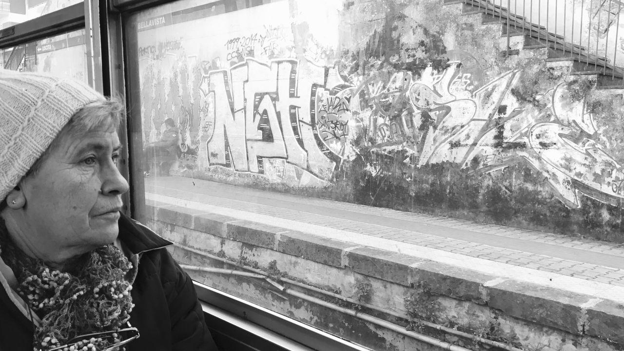 Sguardo al passato... stazione vesuviana portici Portici Napoli Napoliphotoproject Napoli ❤ Vesuviana One Person Lifestyles Pensive Real People Indoors  Close-up Day