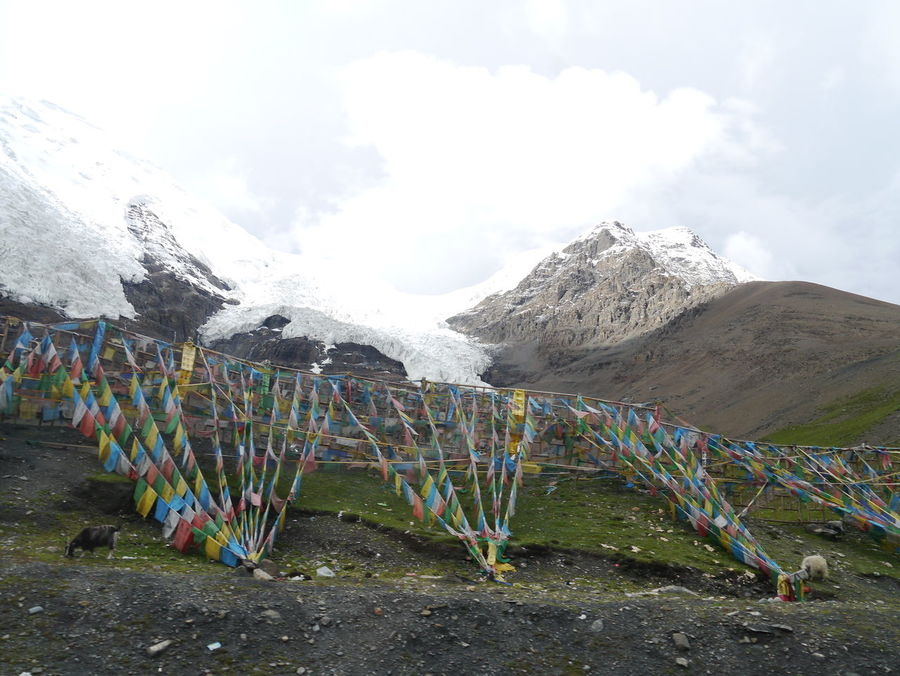 Cloud - Sky Girl Gang Sky Skyline Snow Snow Mountain Tibet Tibet Travel Tibetan  Tibetan Prayer Flags