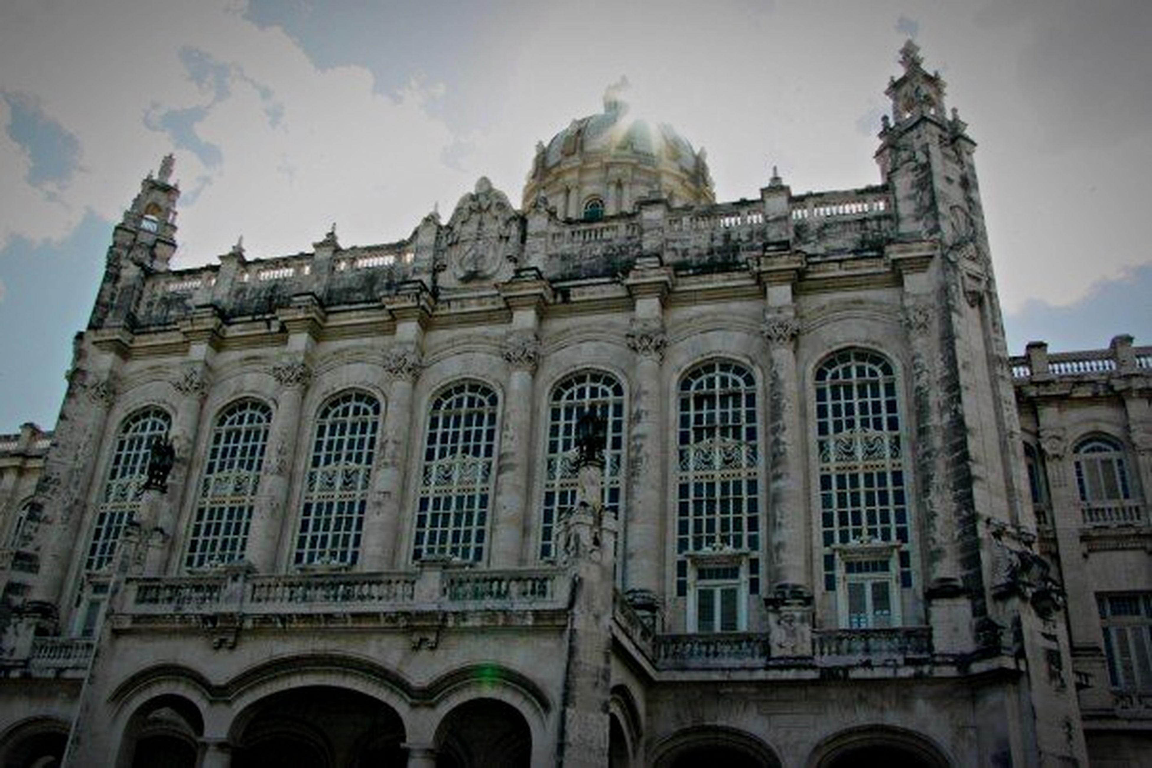 The Architect - 2015 EyeEm Awards Cuba Palacio De Gobierno Suprema Corte Habana La Habana Edificio