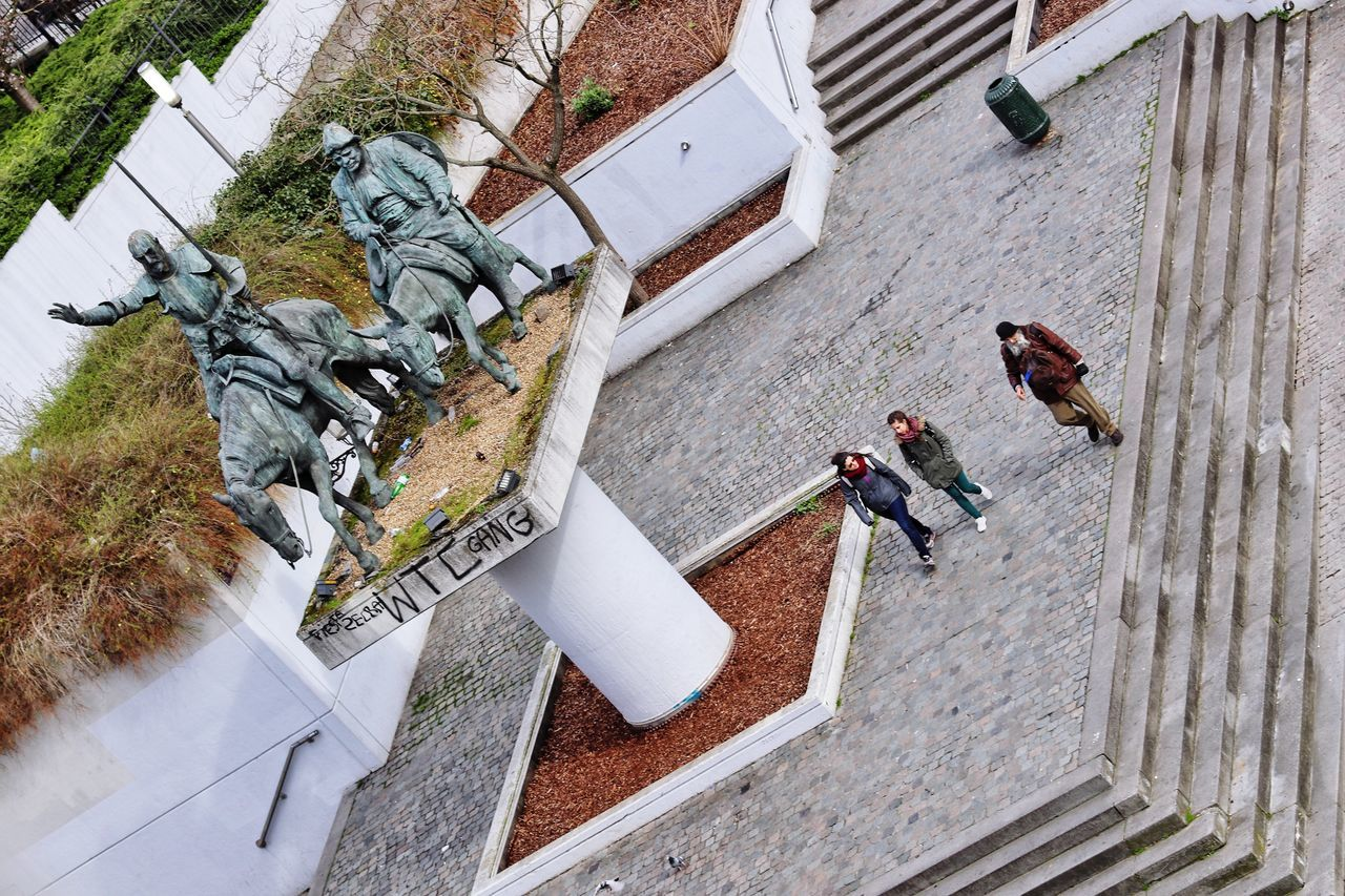 High Angle View Real People Outdoors War Memorial Travel Tourists Brussels Bruxelles People Day Streetphotography Street Photography Street Life Don Quijote Don Quijote De La Mancha Don Quixote Sancho Panza