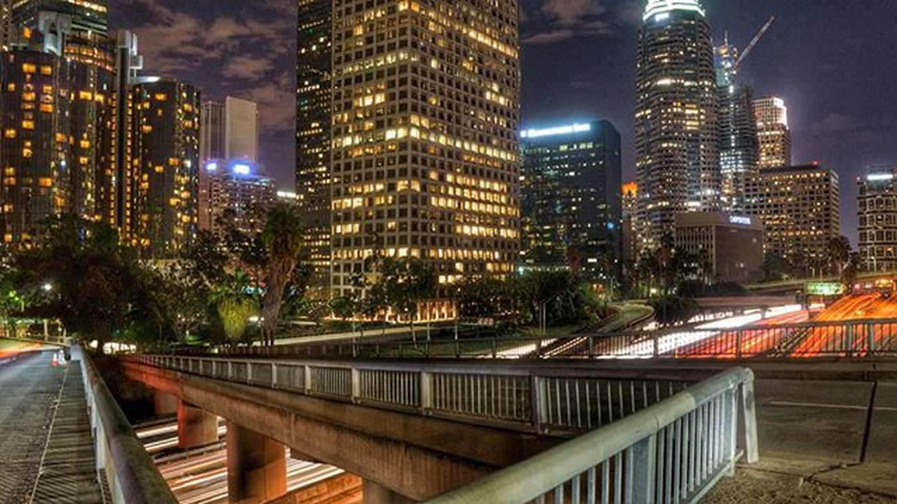 I really missed standing in the middle of the street awkwardly waiting for my photo, is that weird? 😄😄 Conquer_la DiscoverLA Weownthenight_la Insta_losangeles Citykillerz Weshootla Uglagrammers Conquer_ca Nightphotography Nightimages Socalshooters