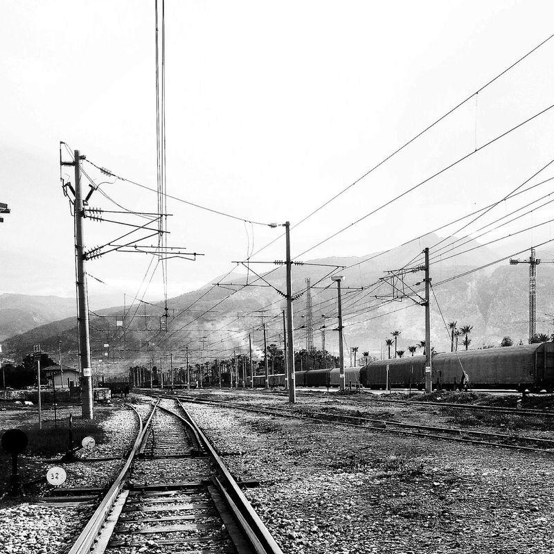 İskenderun Går Black & White