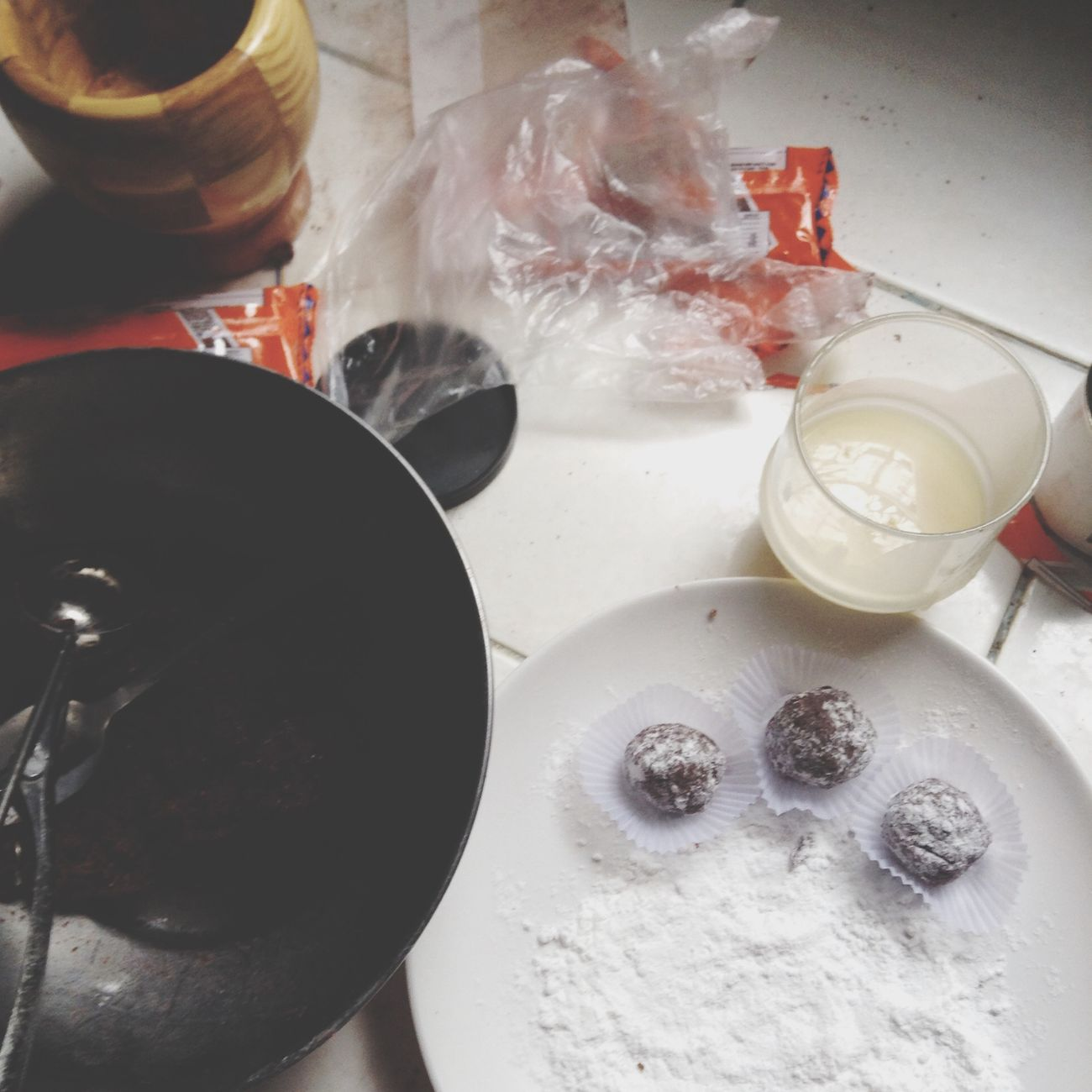 Making chocoballssss :)