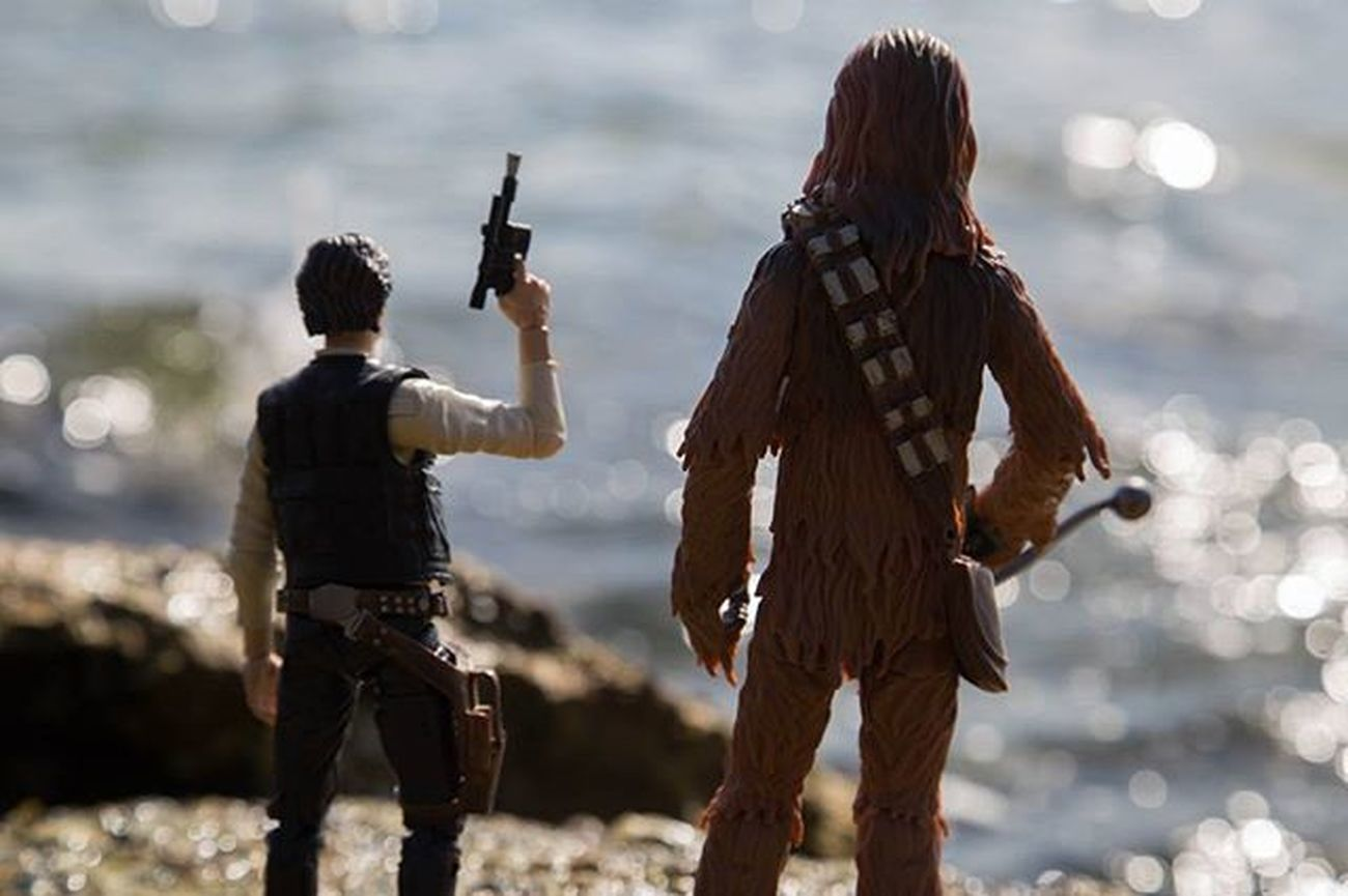 Chewie, we're... Wait nevermind... Not yet. Chewie Chewbacca Hansolo Starwars TBSFF Starwarstheblackseries