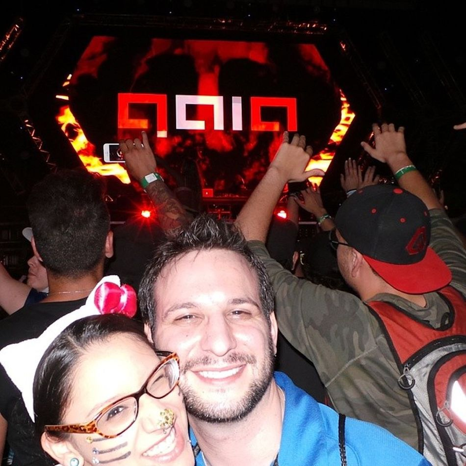 TBT  to Sunday at Ultra2014 @ASOT ASOT650US when @arminvanbuurenofficial was on the decks as Gaia enjoying with new friend @LulisAwesome ASOT657
