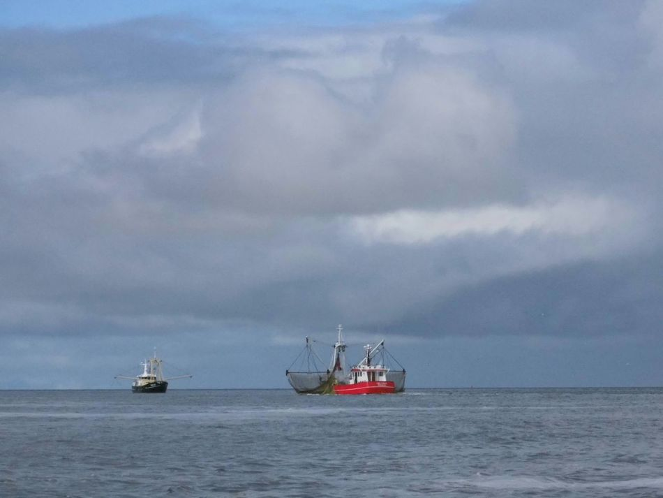Taking Photos Fishing Boat Getting Inspired Nature_collection Waterscape , Clouds &sky clip