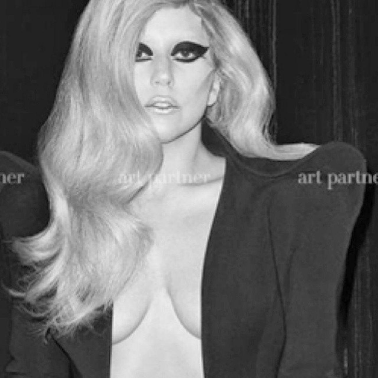 @ladygaga best photoshoot ??? Throwback Bestphotoshoot Ladygaga Gaga instagaga bornthisway mothermonster fashion lovethispic gagaisthebest littlemonsters monsterstyle myqueen queenofmusic