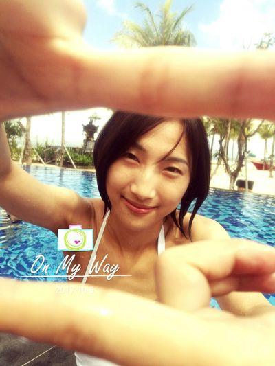 Friend ✌ 蓝梦岛 巴厘岛 Swimming Pool Bali, Indonesia EyeEm