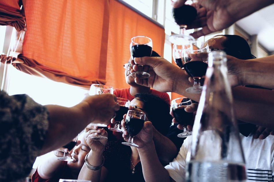 A perfect celebration. Wine Moments Indoors  Happy Hour Explore Travel Dine In Indoors  Luxury Elégance People Candid