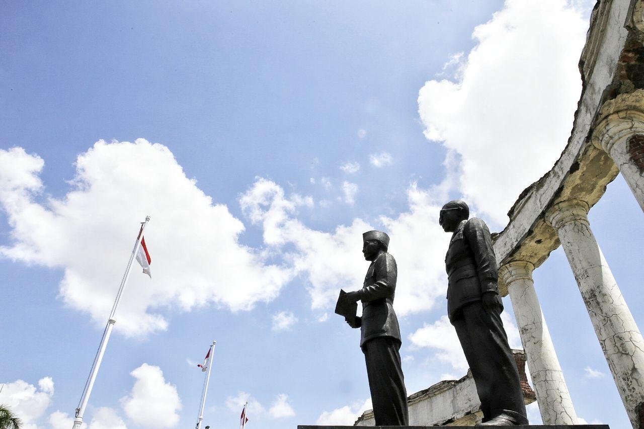 Tugupahlawan Surabaya Monumen INDONESIA 10 November Pahlawan Tourism