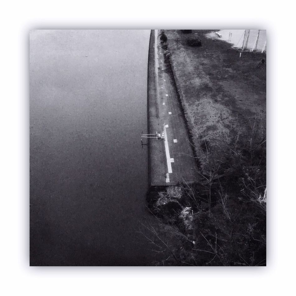 川を橋の上から撮る。 I Took The Rivers From On The Bridge Bridge River Monochrome_life Blackandwhite