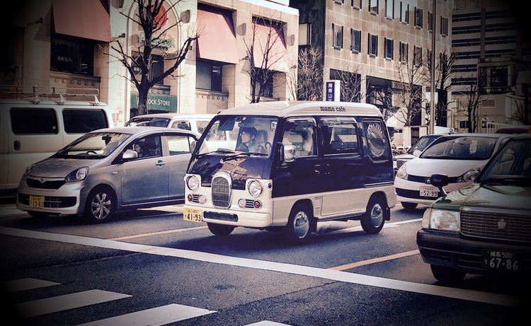 My Dream Car City Transportation Traffic In The City Traffic Car City Life Architecture Land Vehicle Mode Of Transport The Way Forward Road Built Structure Stationary Outdoors No People Day Aoyama Intersection Streetphotography Tokyo, Japan IPhoneography Tokyo Urbanphotography Japanese Car