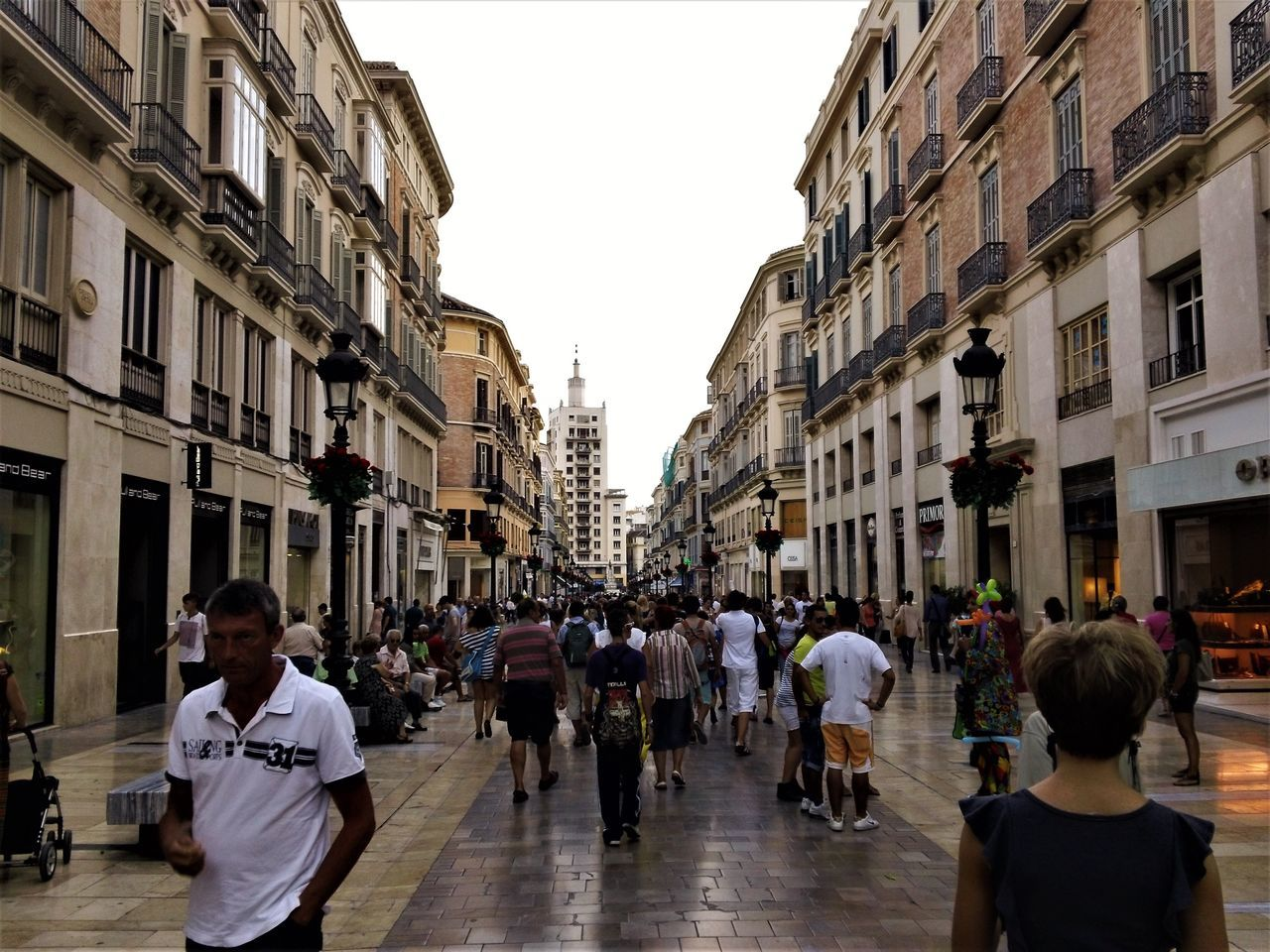 Building Exterior Architecture Built Structure Large Group Of People City Streetphotography Eyeem Architecture Malaga EyeEmNewHere Crowd Busy Street DayyReal PeopleeAdulttOutdoorssPeoplee Skyy