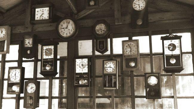 時間的河 Time 鐘牆