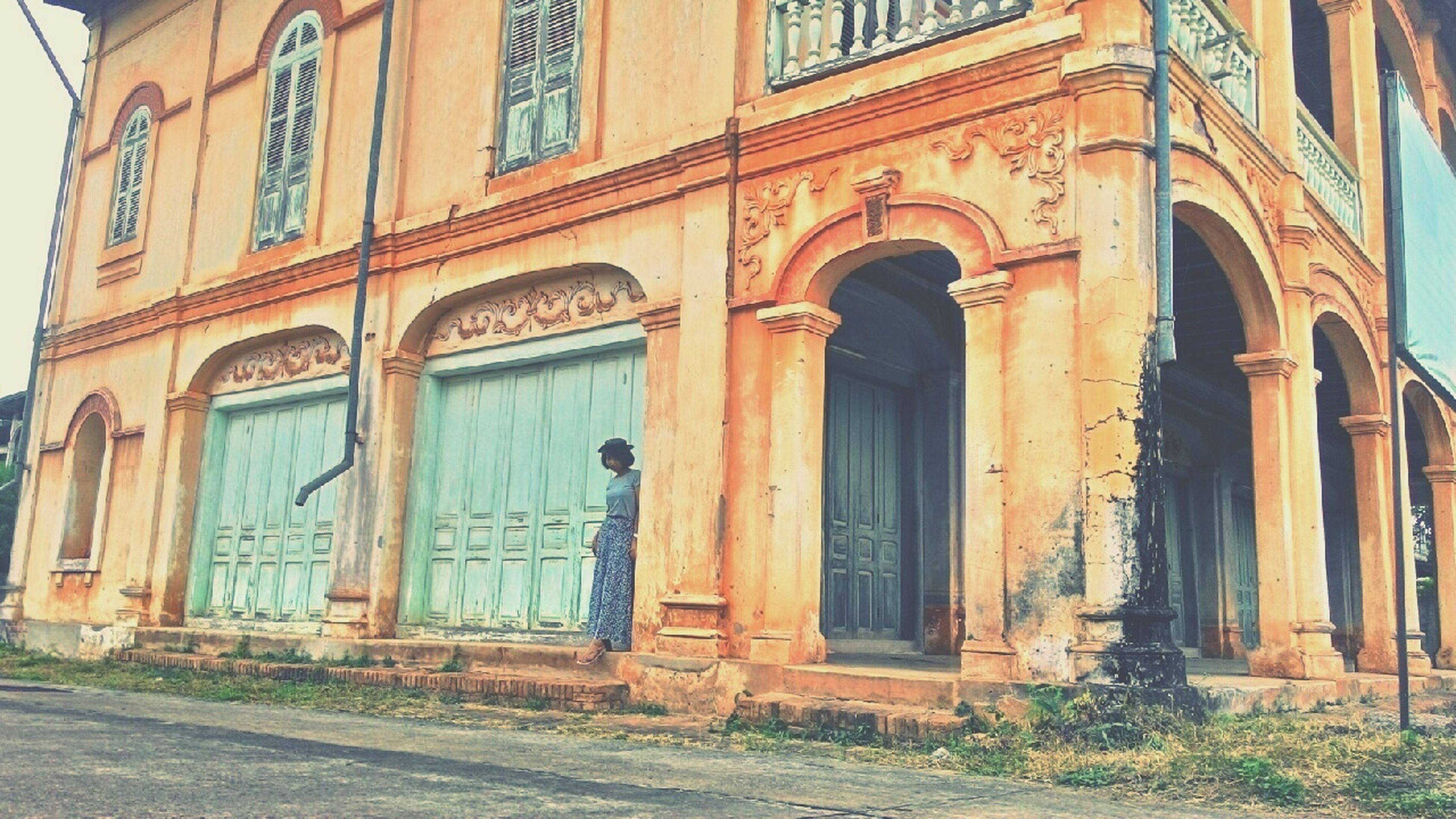 architecture, building exterior, built structure, window, arch, door, facade, closed, entrance, house, building, residential structure, residential building, outdoors, old, day, no people, exterior, low angle view, doorway