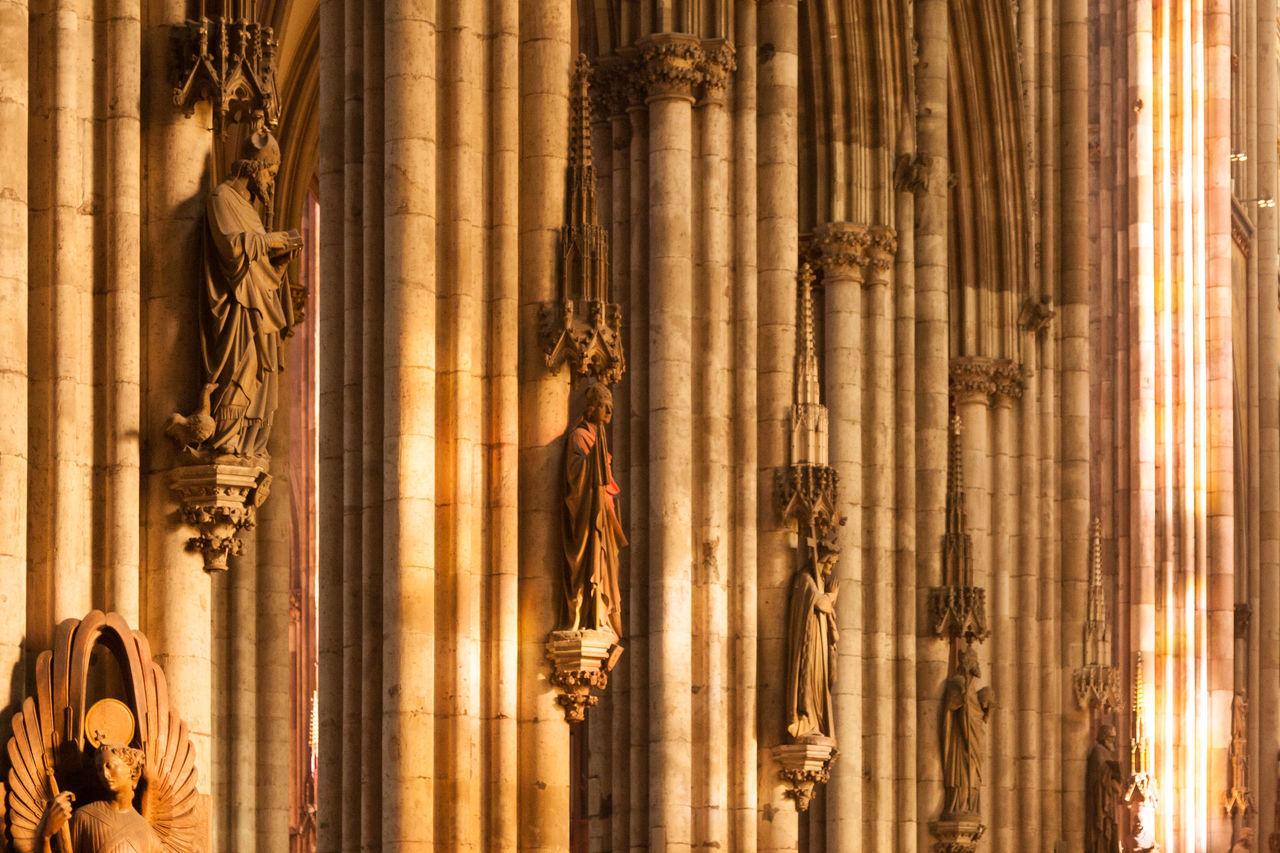 Säulen mit Heiligen Architecture Dom Heilige History Kathedrale Kölner Dom Kölner Dom Cathedral Statue Säulengang
