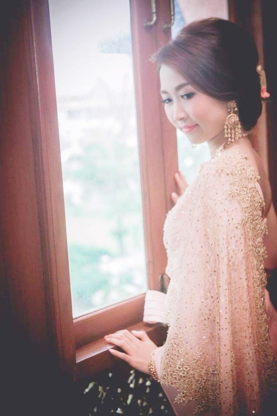 Girl Dressing Up Wedding Specialday  Portrait Photography Thaidress Nationaldress Thailand