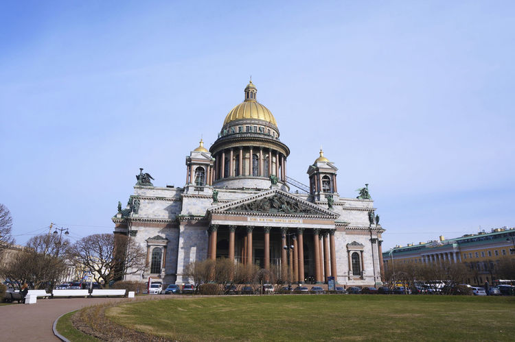 Architecture Building Exterior Cathedral City Dome Façade Outdoors Plaza Religion Russia Saint Isaac's Cathedral Saint Petersburg Sky Spirituality サンクトペテルブルク ロシア 聖イサアク大聖堂
