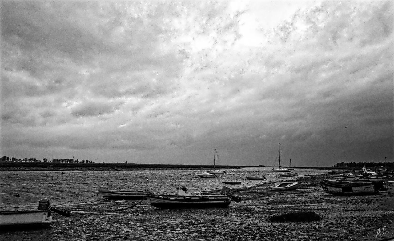 B&w Photography Clouds And Sky Boatlife Eyeem Monochrome Boats Watching Boats Monochrome_life Monochrome Fishing Boat The Traveler - 2015 EyeEm Awards