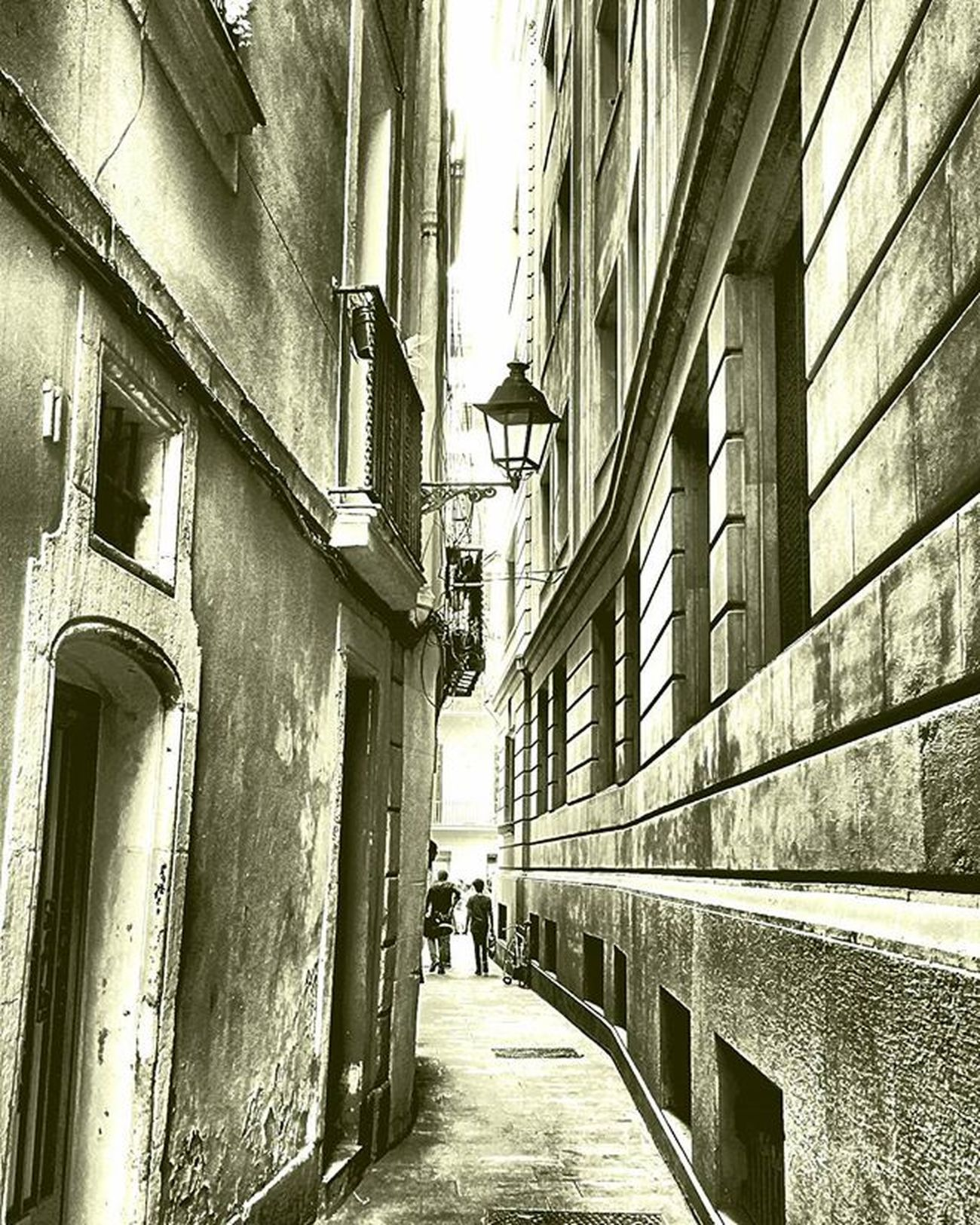 Barrigotic Barcelona Igersbarcelona Igerscatalonia Igerscatalunya Street Calle Katu Rue HDR Hdr_lovers Hdr_pics Hdr_captures Hdr_spain Tv_hdr Bcndreamers Bcnexploradores Thebarcelonist Fotofanatics_streetlife_ Streets_of_theworld