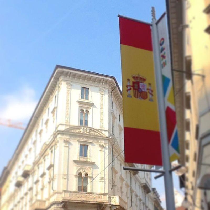 Un saludo a los amigos españoles. ??