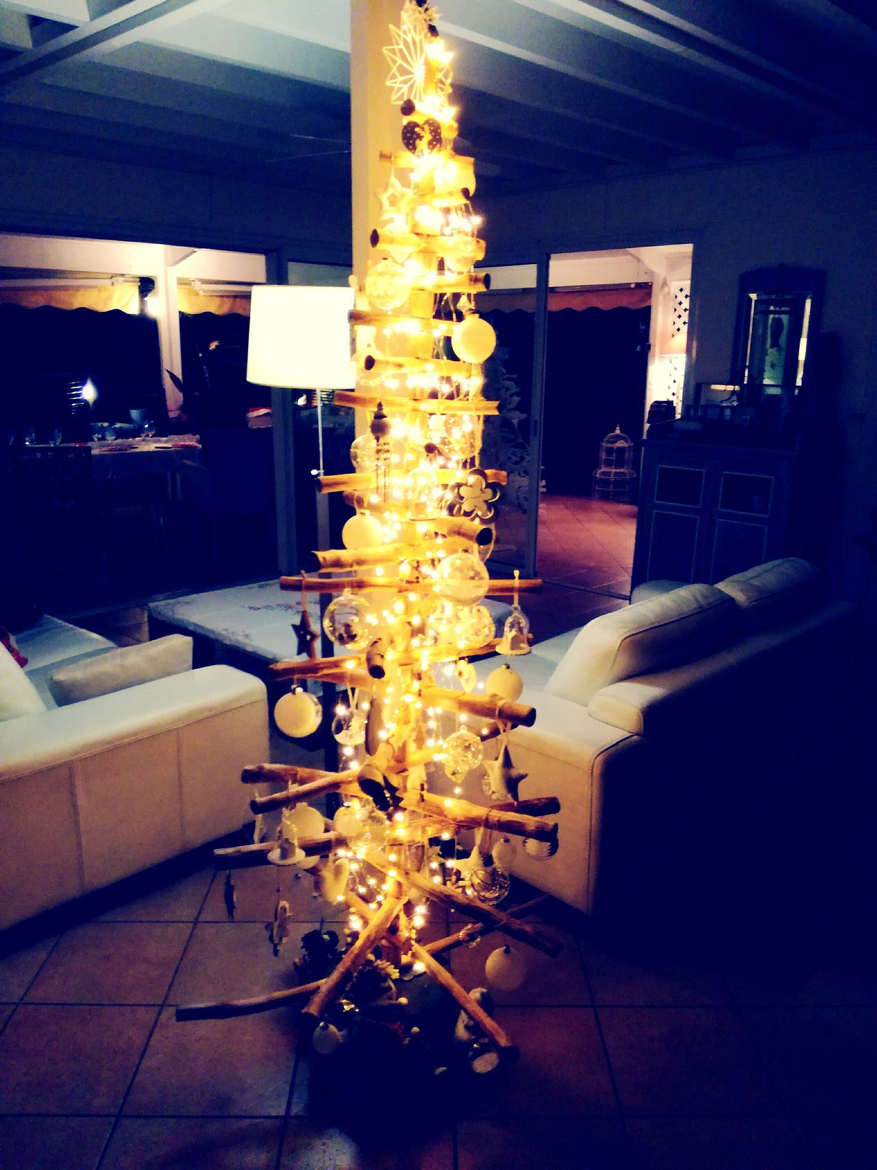 Sapin de noël . Chritsmass tree original Reunionisland 🌴 Eyeemphotography Huaweip9lite Christmas Decoration Decorating Noël ! Père Noël Christmas Decorations Celebration Christmas Christmas Tree Wedding Decoration Joyeux Noël Joyeux Noël ! Chritsmas Tree Decorating Traveling Home For The Holidays