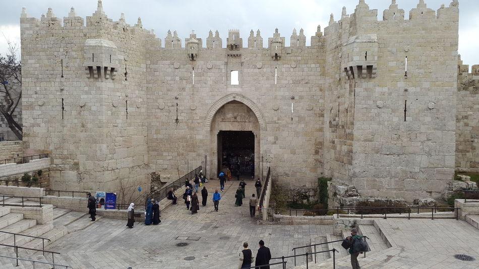 DEYA ( Taking Photos Jerusalem Hanging Out باب العمود Palestine لان )
