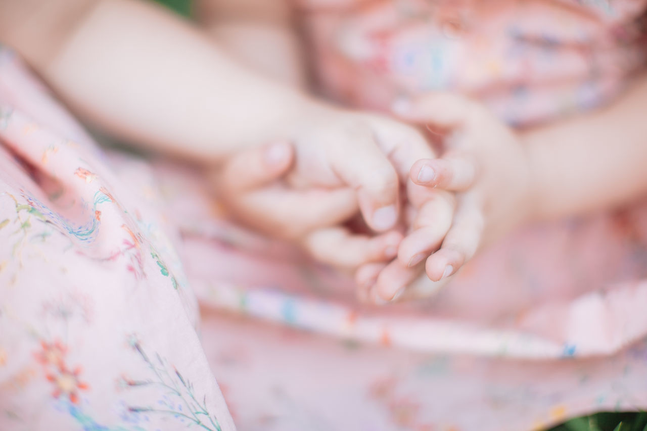 Sister love Baby Bonding Care Childhood Close-up Hands Human Hand Love Sister Sisters Togetherness