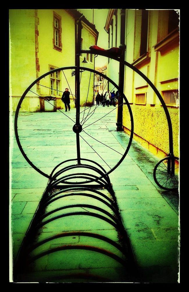 Streetphotography AMPt_community Visiting Vienna Bike Week