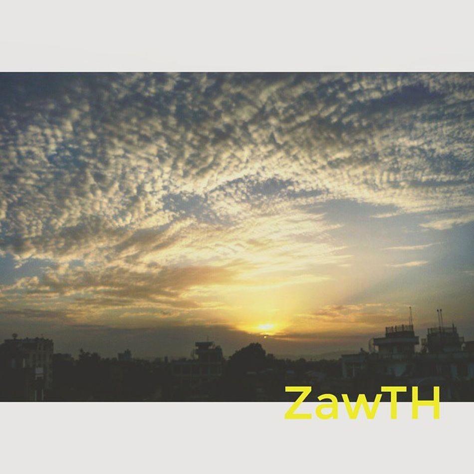 သူရိယ ရဲ ႔နားခ်ိန္ ... Suria´s time to rest... Sunsetaroundtheworld Sunset Mandalay Myanmar Burma Igersmyanmar Igersmandalay Myanmarphotos Vscomyanmar Exploremyanmar Goldenland Ayeyarwaddy Irrawaddy Bsn_sky Bsn_reflection Bsn_sunset Bsn_family Nothingordinary Sunsets Sunsetmadness Igerssunset Ig_sunsetshots Mycapture GalaxyGrand2 Zawth asean aseantravel aseanchannel igersasean