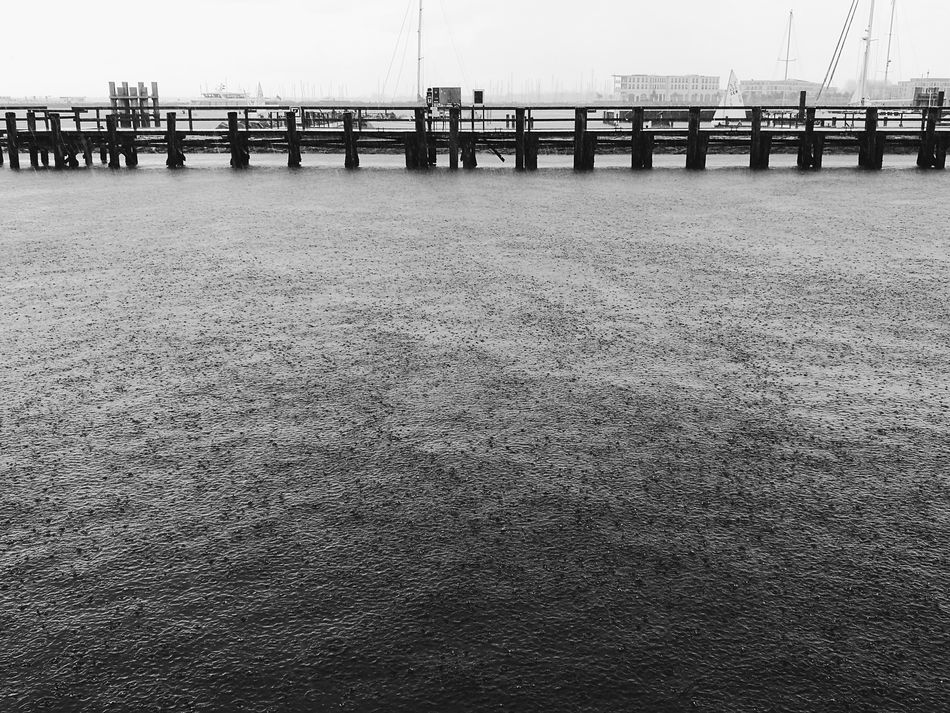 Sea Outdoors Water Horizon Over Water Mobilephotography Eye4photography  Beauty In Nature Taking Photos Still Life EyeEm Diversity Long Goodbye Vscocam The Secret Spaces VSCO HuaweiP9 Black And White Blacknwhite Black&white Blackandwhite Black & White Rainy Day