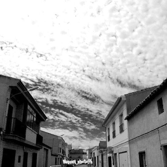 Nubes con profundidad Profundidad Sky Clouds Nubes cielo pueblo village blackywhite blancoynegro depth cute awesome picoftheday photooftheday picture photo relax natura dailyphoto dailypic instagood instalike instasky instadaily instamood tagforlike tagsforlikes nikon d40 18-55