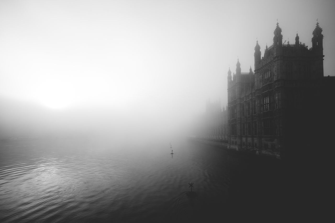 Bigben Blackandwhite Blancoynegro Canon Composition Fog Foggy London London Lifestyle Westminster