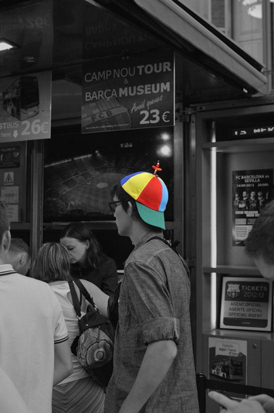 Por un momento pense que era doraemon.....pero no demasiado alto hehe buenos dias! !! Mi Particular Diada Bw_collection FreedomCatalonia2014 Streetphotography